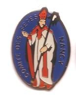 RR211 Pin's Saint Nicolas Comité Des Fêtes Nancy Meurthe Moselle Achat Immédiat - Navidad