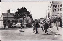 CAYEUX-SUR-MER - Rue Du Maréchal Foch Automobile Palais Du Vêtement Mage 424 - Cayeux Sur Mer