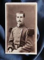 Photo CDV Brechet à Caen - Militaire, Soldat (Maurice Lauer) Du 36e D'infanterie, Circa 1885 L498F - Fotos