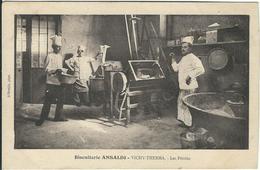 ALLIER : Vichy : Biscuiterie- Therma, Les Pétrins - Vichy