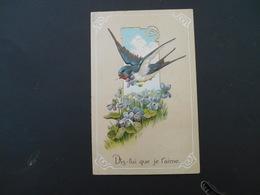 Hirondelle Volant Avec Violette Dans Son Bec Dans Médaillon, Champ De Violettes - Gaufrée - Série 6192 - Oiseaux