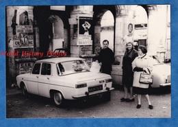 Photo Ancienne - FOIX ? - Automobile RENAULT - Affiche De Spectacle LOULOU LEGRAND à Souillac - Dalida - Mode Pose - Cars