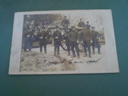 Carte Photo Militaire, 1 Canon & 10 Militaires à Saint Maixent, 2 Sèvres, Cachet Aboukir à Oran , & St Maixent 1906 - Personnages