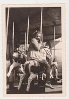 27830 BELGIQUE  1946 Enfant Manège Chevaux Bois - Cars