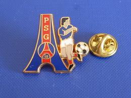 Pin's PSG Paris Saint Germain SG - Logo - Football Foot Joueur Ballon - Zamac Decat (PAA32) - Fussball