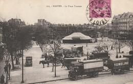 Nantes - La Place Viarmes - Chapiteau Cirque - Camion - Nantes