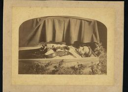 Fotografia Antiga PADRE No Caixão Old Real Photo Of Dead PRIEST / FATHER In Coffin POST MORTEM Photograph 1890s PORTUGAL - Fotos