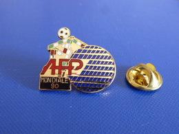 Pin's Coupe Du Monde World Cup Italia Italie 90 - Mascotte AFP Mondiale Média - Football Foot Joueur Ballon (PAB22) - Football