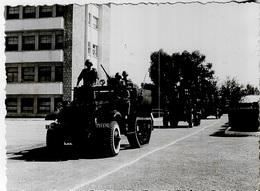 Photos - Photo D'un Défilé De Véhicules Militaires Au Maroc - - Guerre, Militaire