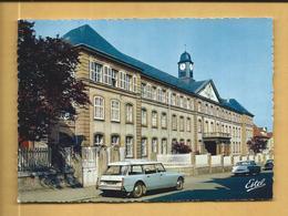 C.P.M. Montigny-les-Metz - L'Ecole Normale - Belle DS Breack En 1er Plan - France