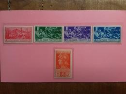 REGNO - Ferrucci Nn. 276/80 Nuovi * (ingiallimento Carta) + Spese Postali - Nuovi
