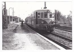 Neuenburg Vers Mulhouse PHOTO Train Autorail En Gare Le 21 Septembre 1970 VOIR DOS Cliché Bazin Série 34 N°8 - Trains