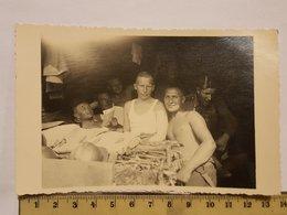 Photo Vintage. L'original. Soldats Musclés à Moitié Nus. Armée Lettone. - Erotic & Fine Nudes (...-1960)