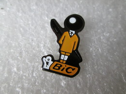 PIN'S    BIC - Marques