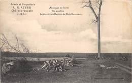 37-CHÂTEAURENAULT- SCIERIE DE PARQUETTERIE L.H. ROGER - ATTELAGE EN FORÊT UN ANCÊTRE LE DERNIER DU CANTON DU BOIS REVENA - France