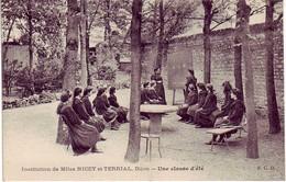 (21). Dijon. Institution Nicey Et Terrial. Une Classe D'Ete - Dijon