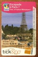 TICK & GO ESCAPADE À PARIS 2009 TOUR EIFFEL CARTE CADEAU PAS TÉLÉCARTE GIFT CARD NO PHONECARD - Cartes De Fidélité Et Cadeau