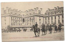 Paris - Garde Républicaine - Cavalerie - Manoeuvre Dans La Cour Des Célestins - Arrondissement: 04