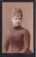Woman With Bun - Atelier Leopold Adler - Kronstadt - Brasov. Old Cardboard Cabinet Photo. 6,5x10,5cm - Romania - Oud (voor 1900)
