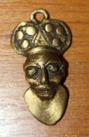 "Pendentif Médaille Africaine En Bronze Cire Perdue ""roi Africain"" à Déterminer - African Bronze Medal - Volksschmuck"
