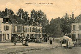 Donnemarie -   La  Place  Du  Marché. - France