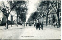N°6243 -cpa La Roche Sur Yon -la Gendarmerie- - Police - Gendarmerie
