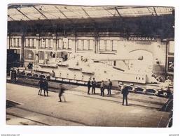 PERIGUEUX  CARTE PHOTO ( Cannon En Gare De Px , Le Probleme Et Que La Carte A été Reduite Toute Autour Au Ciseaux ) - Périgueux