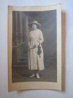 1918 CARTE POSTALE PHOTO BESSEGES FEMME - Autres Communes