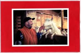 CP, Producteur De Lait De Chèvre Dans Les Deux-Sèvres, Portrait D'Agriculteurs Par Arbitre Et Rivas - Animaux & Faune