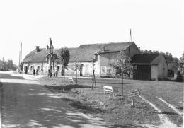 1007 - 58 - NIEVRE - VILLECHAUD - La Place - Otros Municipios