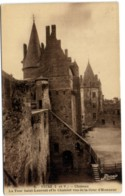 Vitré - Château - La Tour Saint-Laurent Et Le Châtelet Vus De La Cour D'Honneur - Vitre