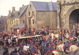 """29 LOCRONAN - OCTOBRE 1987 / TOURNAGE DU FILM """"CHOUANS"""" De Philippe De Broca / L'échafaud Dressé Sur La Place - Loctudy"""