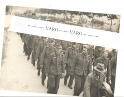 Photo ORIGINALE (15 X 21 Cm) Guerre 40/45 - Prisonniers Allemands Octobre 1944 - Britsh Official Photograph War Office - 1939-45