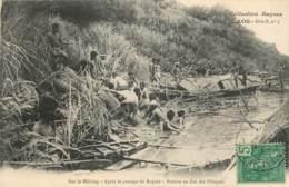 Laos - Série B N° 3 - Collection Raquez - Sur Le Mékong - Après Le Passage Du Rapide - Remise En état Des Pirogues - Laos