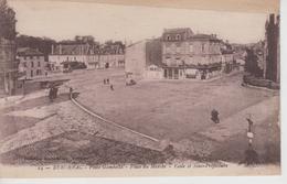 CPA Bergerac - Place Gambetta - Place Du Marché - Ecole Et Sous-préfecture (cliché Peu Fréquent) - Bergerac
