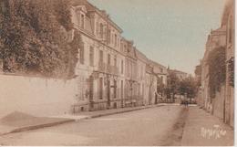 LA ROCHE-sur-YON, Rue Paul Baudry Vers La Caserne Travot - RAMUNTCHO 2318 - La Roche Sur Yon