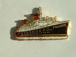 PIN'S PAQUEBOT FRANCE - Boats