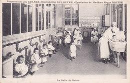 75. Pouponniere Des Grands Magasins Du Louvre 2 Scans - Children And Family Groups