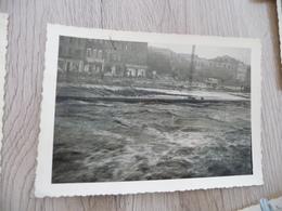 Photo Originale Inondations D'Alais Alès Gard 1958 L'eau Affleure La Dalle Du Parking - Lieux