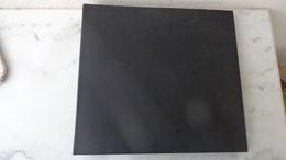Album Cartes Postales Format 38cm X 35cm ; Les Feuilles Sont Offertes Car En état Médiocre - Matériel