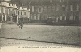 10510 CPA Sainte Menehould - Un Coin De La Place D'Austerlitz - Sainte-Menehould
