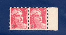 MARIANNE DE GANDON  3F ROSE 1944 DEFAUT  N° 716  Y&T  2 Timbres Neufs Sans Trace De Charniéres VARIETEE OU CURIOSITES - Errors & Oddities