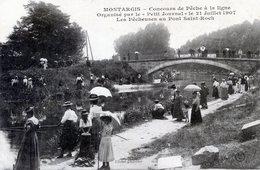 45  MONTARGIS   CONCOURS DE PECHE A LIGNE DE 1907  LES PECHEUSES AU PONT ST ROCH - Montargis