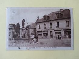 Royere Place De La Mayade - Royere