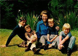 CPM AK La Famille Royale DUTCH ROYALTY (813678) - Familles Royales