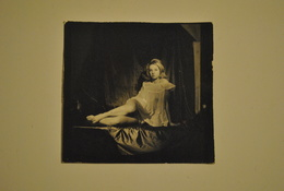 Petite Photo Photographie Pin Up Femme  Petite Tenue Erotique - Pin-ups