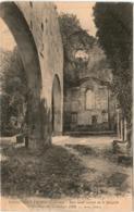 51ab 243 CPA - SAINT EMILION - PETIT AUTEL LATERAL DE LA CHAPELLE - Saint-Emilion