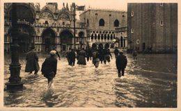 Venezia, Piazza S.Marco ( Alta Marea) - Italia Italie Italien - Venezia (Venedig)