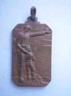"Insigne Italie Fasciste ""Trieste"" 1935   !!!! - 1939-45"