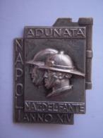 "Insigne Italie Fasciste  ""NAPOLI""  1936   !!!! - Insignes & Rubans"